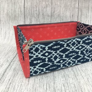 Zip_tray_pouch_1_0ad6415a-07ee-4183-b63a-3fd39573d5f6